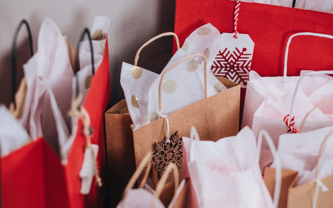 12 Christmas Spending Tips